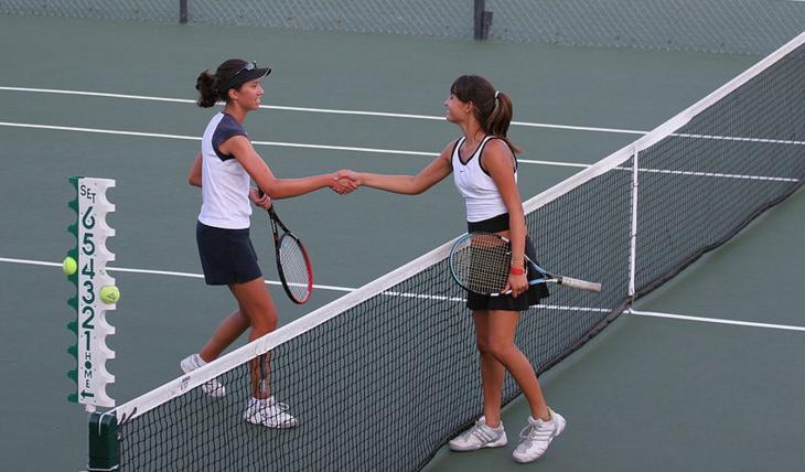Sport girls - Wikimedia commons - Photo: Kance